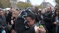 VIDEO: Muslim man sends powerful message to Parisians with touching public display