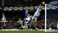 Everton secure convincing win for under-scrutiny Roberto Martinez