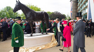 Ascot's Frankel statue 'a fitting testament to his talent'