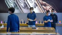 Apple shares lose €41bn as virus hits vulnerable supply chain