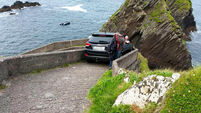A driver got himself very stuck along a very narrow Kerry road