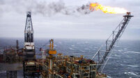Oil price hike sees energy firms help push up US stocks