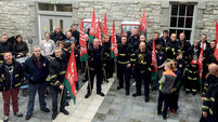 Firefighters march in Galway to demand dialogue with senior management
