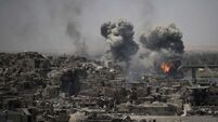 Air strikes target remaining Islamic State militants in Mosul