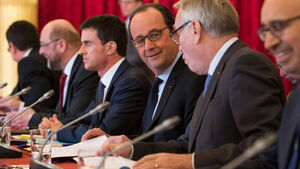Francois Hollande reveals who he wants to win French presidential race