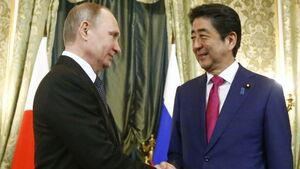 Putin and Japanese PM discuss economic projects on disputed islands