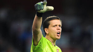 Arsenal's Szczesny in Italy for Juventus medical