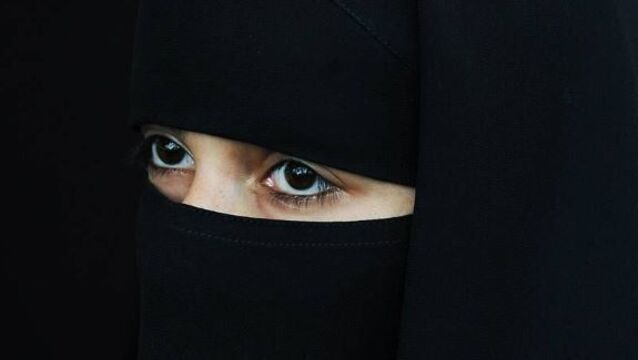 Australian senator argues for burka ban in public places