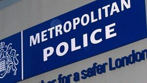 Murder probe launched after teenager stabbed to death in London