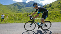 UK cyclist Froome admits adverse drug test result 'damaging'