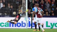 First West Ham win of the season eases pressure on Slaven Bilic