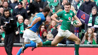 Ireland crush Italy to continue unbeaten Six Nations start