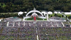 200,000 turn out for Phoenix Park mass - less than half the number expected