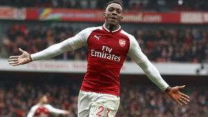 Danny Welbeck brace saves points for Arsenal against lowly Southampton