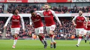Arsenal see off Watford to return to winning way in Premier League