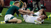 England lose 21-point lead to crash to fifth defeat in a row