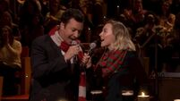 Jimmy Fallon and Saoirse Ronan stage an Irish pub lock-in and sing Fairytale of New York