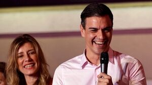 Spanish election: victory for Socialists as Vox surge fragments right-wing vote