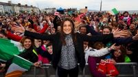 Hero's welcome for Katie Taylor as thousands turn out for Bray homecoming
