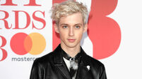 Troye Sivan calls out reporter for asking about his sex life