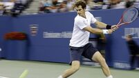 Murray cruises into last eight