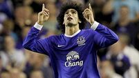 Fellaini hit by knee injury