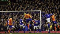 Everton cruise to victory