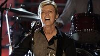 Bowie top of UK charts for first time in 20 years