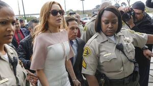 No charges for Lohan after psychic alleges nightclub punch-up