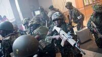 Kenyan police in 'major assault' to end  mall standoff