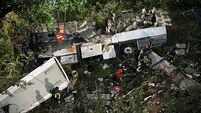 39 dead in Italy as bus plunges off viaduct