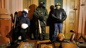 Yanukovych agrees to scrap harsh protest laws