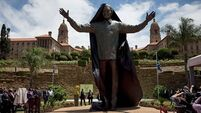 Mandela statue's rabbit 'must go'