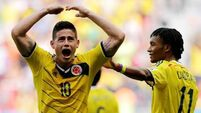Colombians on the verge of last 16