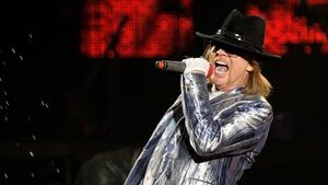 Disappointed GNR fans not to get refund after Axl walks off