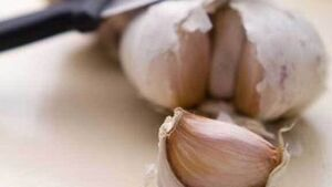 Five reasons to include garlic in your diet