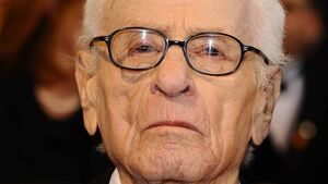 Screen legend Eli Wallach dies at 98