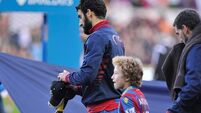 Ledley praise for grieving Jedinak as Palace save point