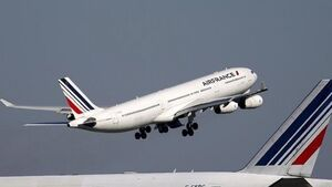 Air France-KLM shares slump as CEO bows out
