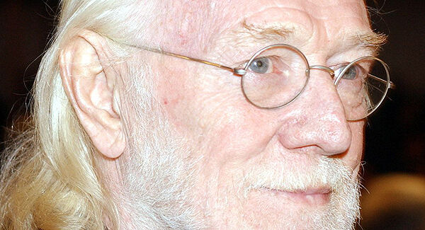 Richard Harris in 2001
