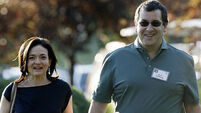 Facebook boss ends 30-day mourning period