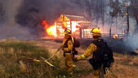 400 homes destroyed in Californian wildfires
