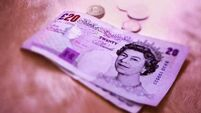 Pound fluctuates as polls check optimism on EU vote