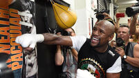 Floyd Mayweather gets his timing right