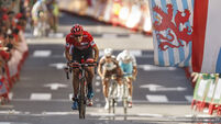 Tom Dumoulin extends Vuelta a Espana advantage
