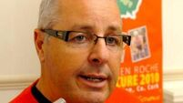 Stephen Roche shoots messenger over Chris Froome suspicions