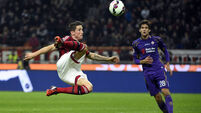Torres sticks with Milan