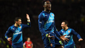 Danny Welbeck makes point to Louis van Gaal
