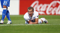 England suffer familiar frustration