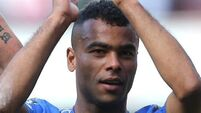 Did Ashley Cole come to the rescue of a hassled diner?